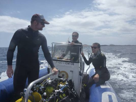Angel Shark Project team (Fernando Tuya, Tony Sanchez, Fernando Espino and Eva Meyers). Exploring remote areas